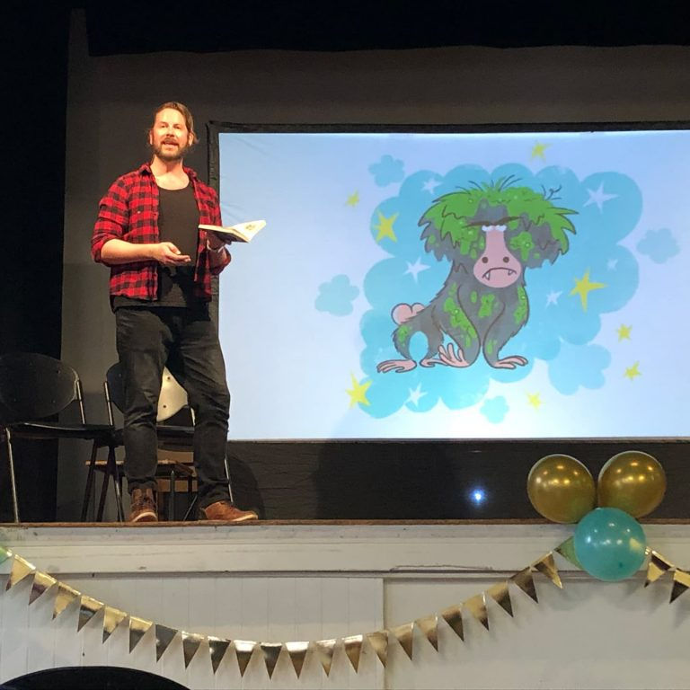 steve lenton on stage at barnes festival